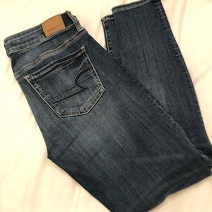 American Eagle super stretch low waisted jeans